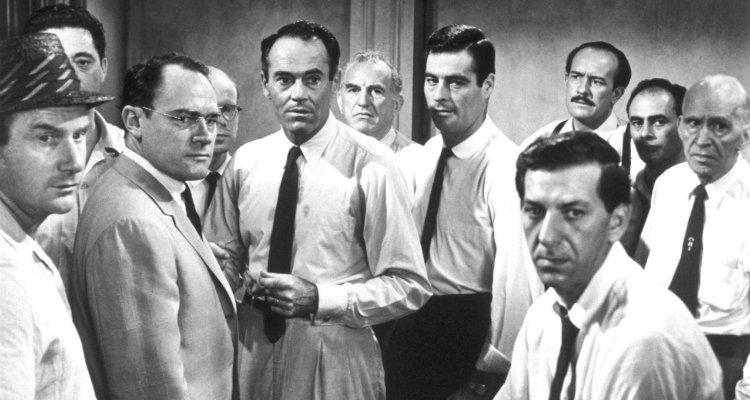 Martin Balsam, John Fiedler, E.G. Marshall, Jack Klugman, Edward Binns, Jack Warden, Henry Fonda, Joseph Sweeney, Ed Begley, George Voskovec e Robert Webber em 12 Homens e Uma Sentença (12 Angry Men, 1957)