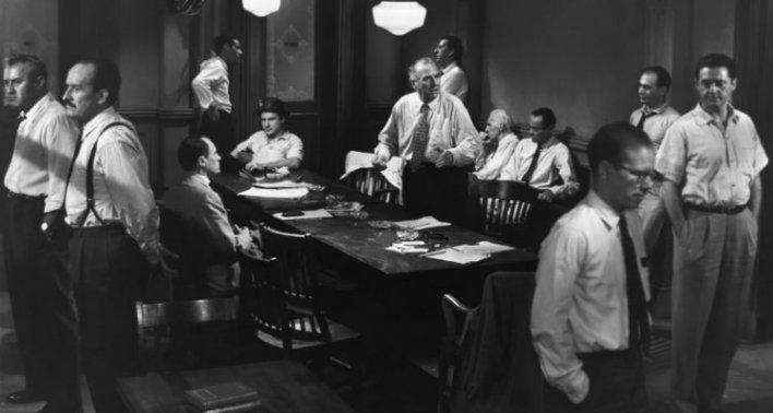 Martin Balsam, John Fiedler, Lee J. Cobb, E.G. Marshall, Jack Klugman, Edward Binns, Jack Warden, Henry Fonda, Joseph Sweeney, Ed Begley, George Voskovec, e Robert Webber em 12 Homens e Uma Sentença (12 Angry Men, 1957)