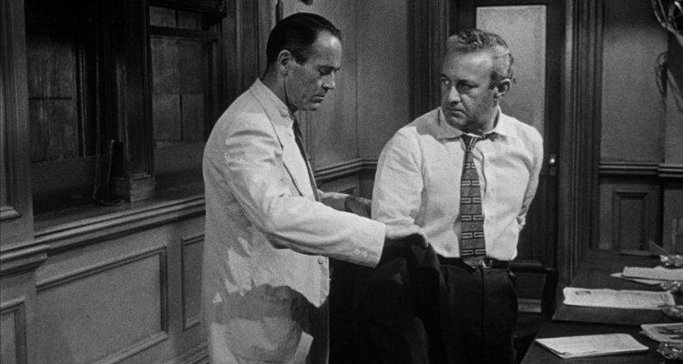 Henry Fonda e J. Lee Cobb em 12 Homens e Uma Sentença (12 Angry Men, 1957)