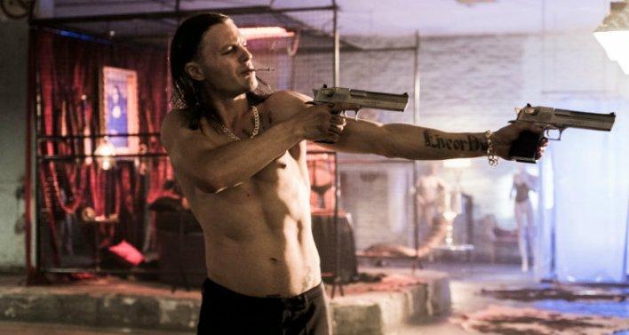 Michael Pitt em The Last Days of American Crime (2020) - Netflix