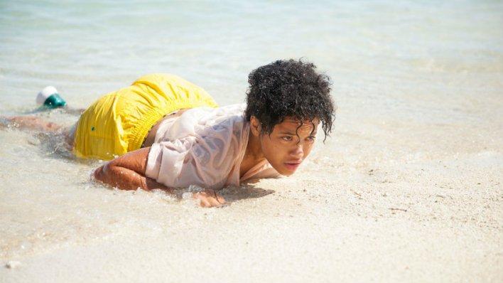 Kiersey Clemons em O Mistério da Ilha