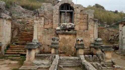 Perge Anıtsal Çeşme