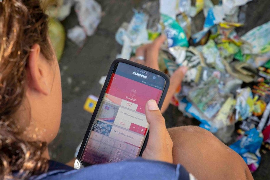 Using the Dive Against Debris App to record trash we collected on a local dive site.