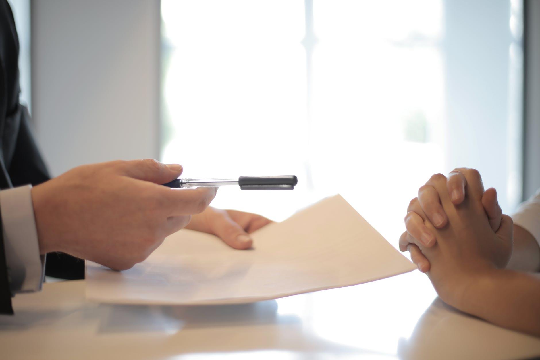Zweryfikuj kontrahenta i umowę przed jej podpisaniem