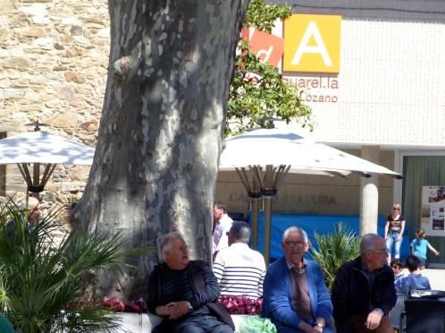 Place de Llansa, non loin du musée, où est filmé Martinez Lozano