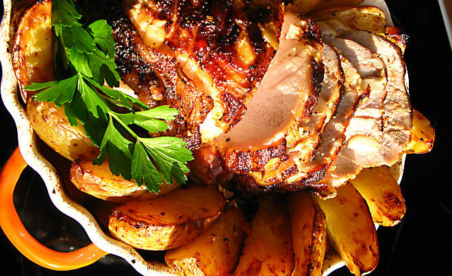 Recipe_Garlic_Roast_Porkloin_HomeMedium
