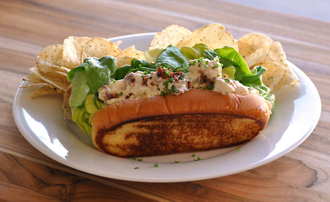 Recipe_Lobster_Roll_with_Bacon_HomeMedium