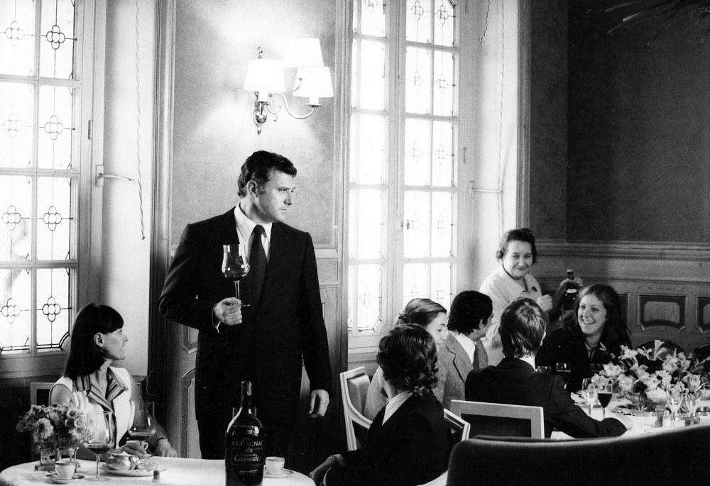 Ariane Holds Court at Hotel Restaurant