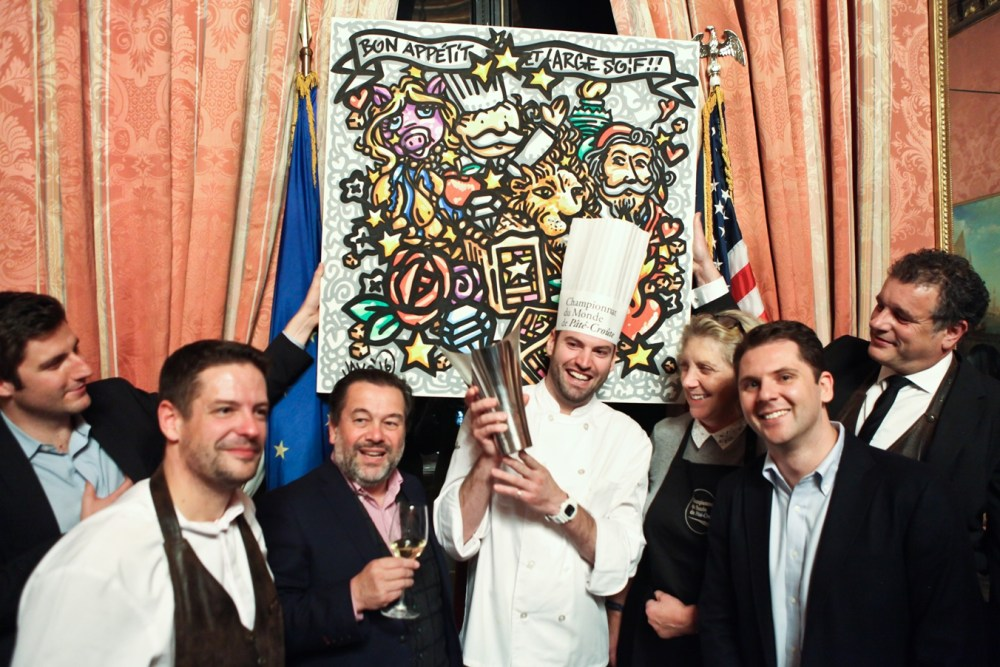 winner-with-painting-pate-croute