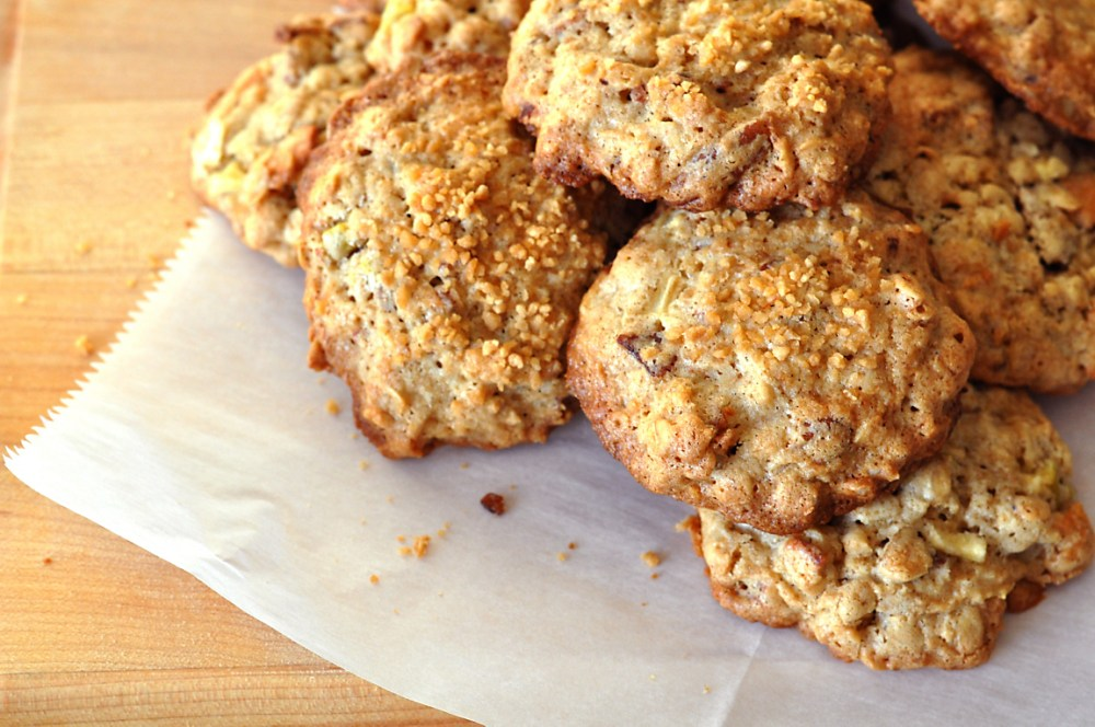 This image has an empty alt attribute; its file name is oatmeal-bacon-cookies-recipe.jpg
