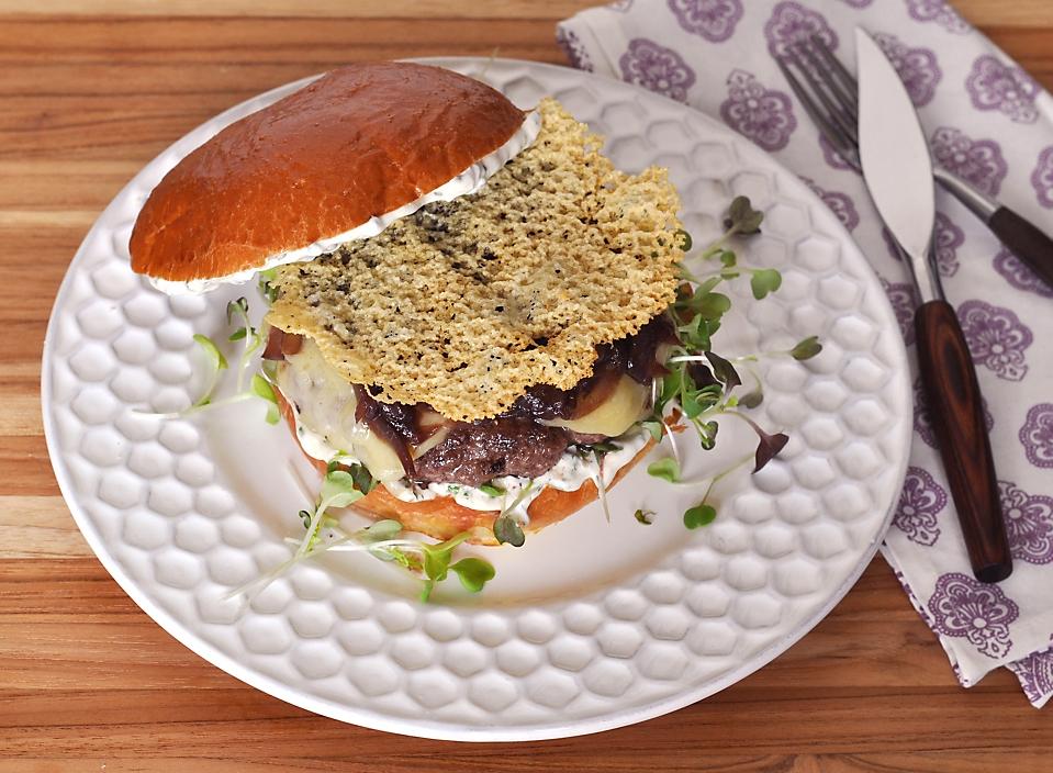 wagyu-burger-red-wine-braised-onions-gruyere-recipe