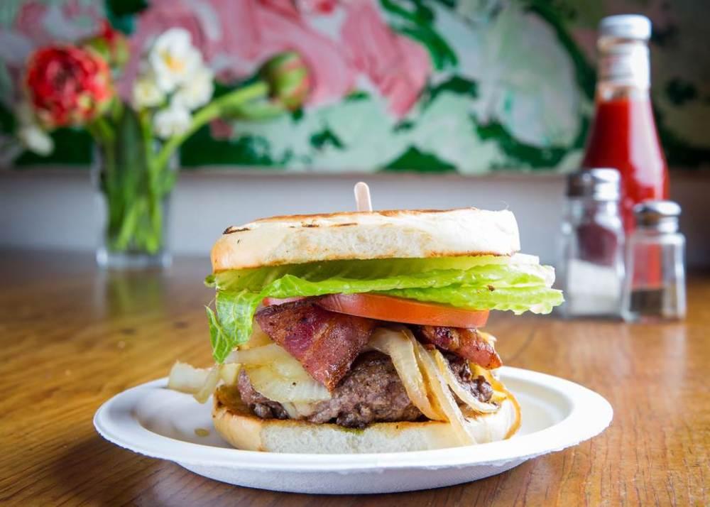 zaitzeff Burger 1.jpg