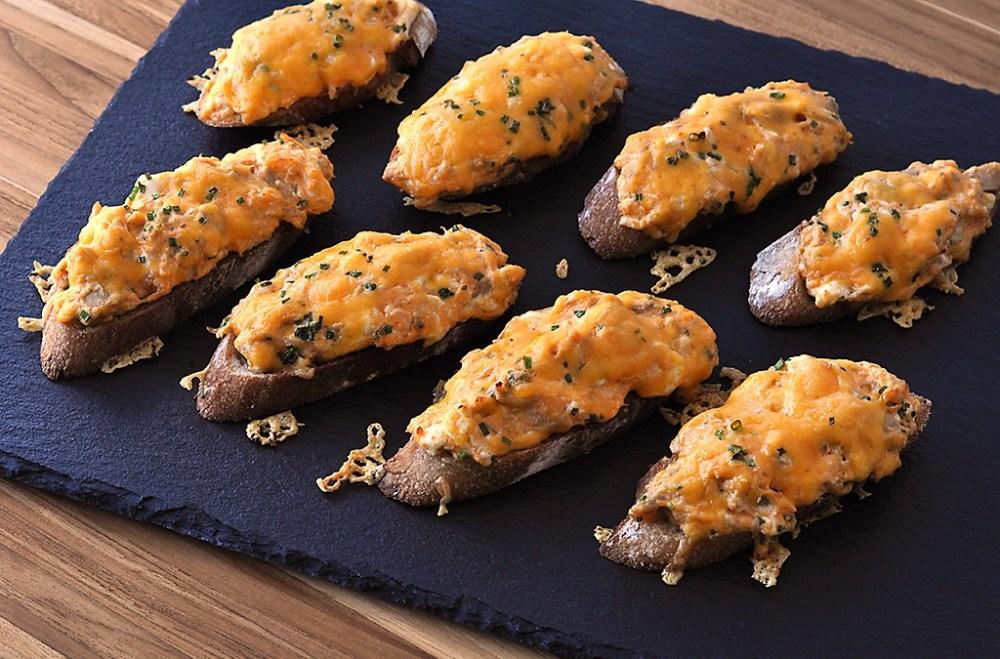 buffalo-chicken-dip-toast-recipe.jpg