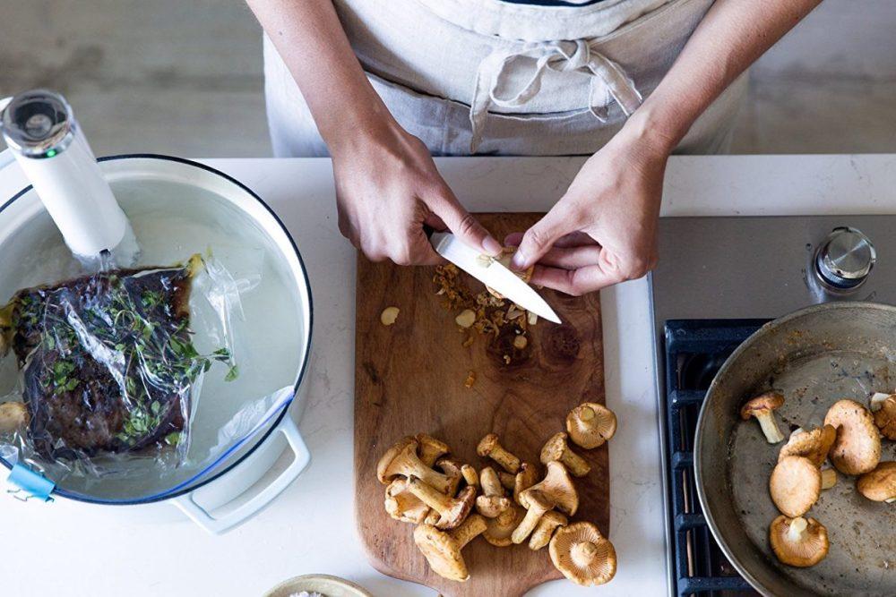 ChefSteps-CS10001-Joule-Sous-Vide-Review-3-min-e1481048026171.jpg