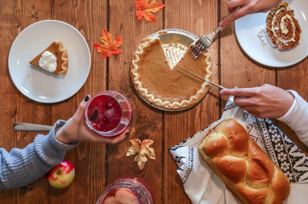 element5-digital-431519-unsplash Thanksgiving dessert table.jpg