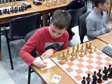 Готовится к игре воспитанник ЦЭВДМ Запорожец Леонид