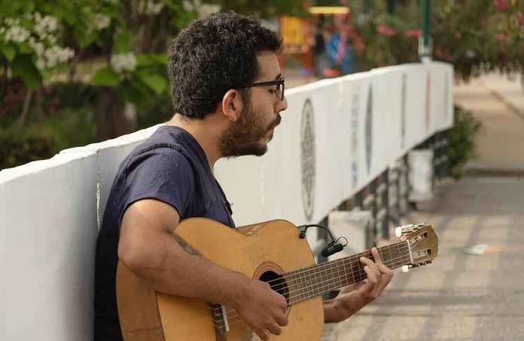 Las mil caras de Seba Alfaro estarán en Canciones de Bolsillo