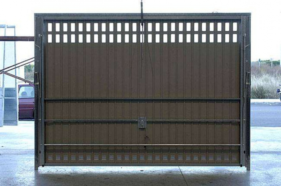 Porte de garage basculante sur mesure d bordante sans rail for Porte garage basculante sur mesure