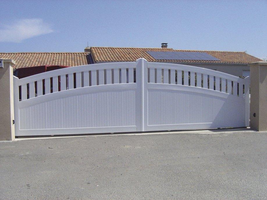 Portail PVC semi-plein
