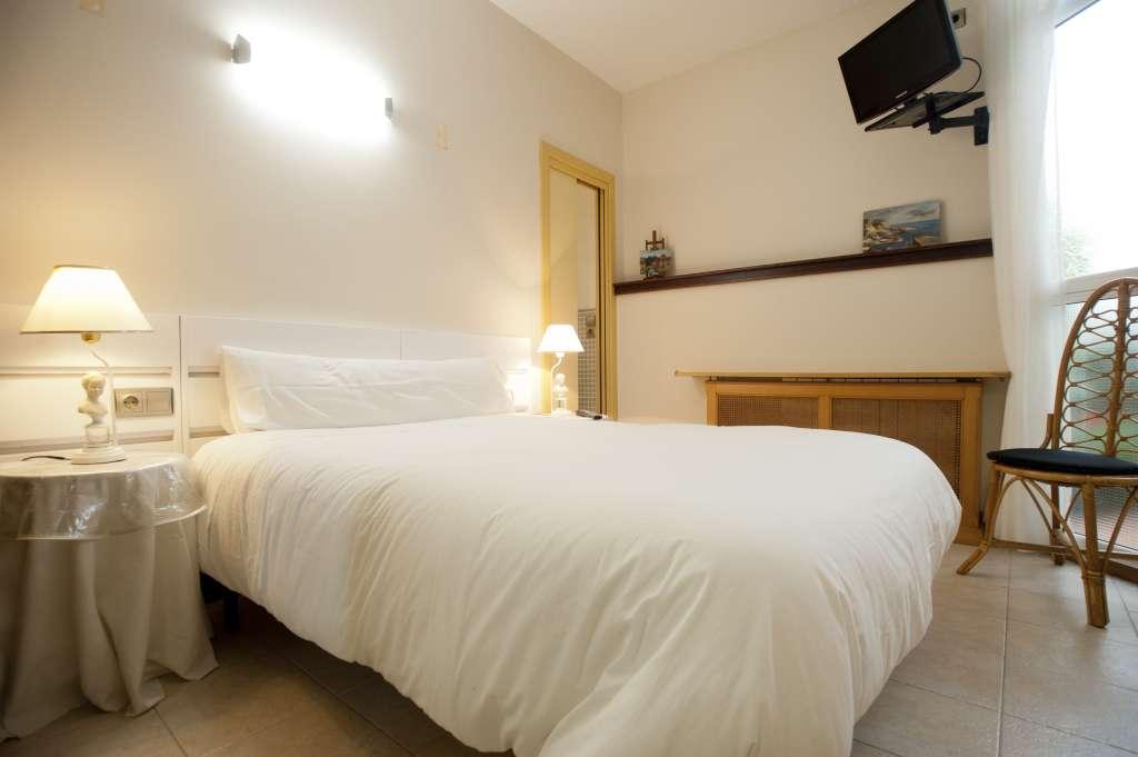pensin artea dormir habitaciones san sebastian donostia habitacion pensiones donosti centro centrica precio barato calidad baratas
