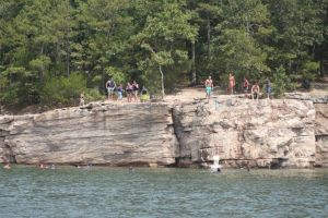 Diving Bluffs Greers Ferry lake