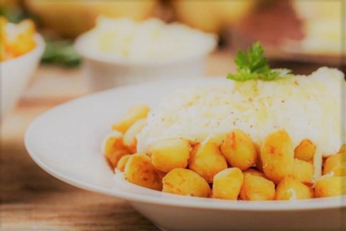 Nhoque frito com molho branco