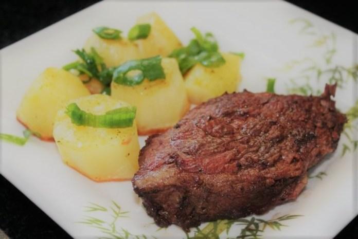 Picanha de forno com batatas