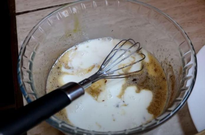 Adicionando leite na massa