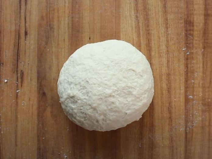 massa em formato de bola
