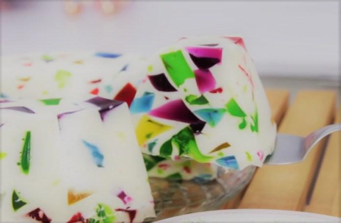 gelatina colorida de mosaico de sabores