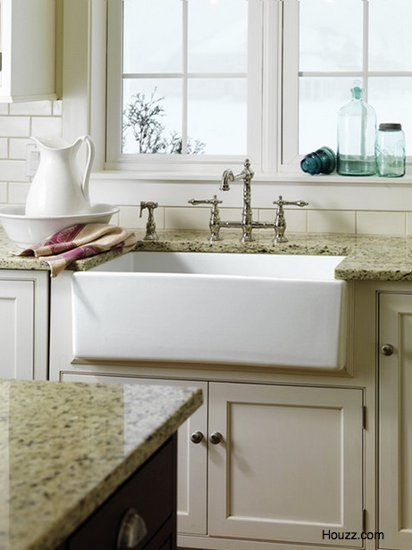 Is A Farmhouse Sink Right For Your Orlando Kitchen Remodel?