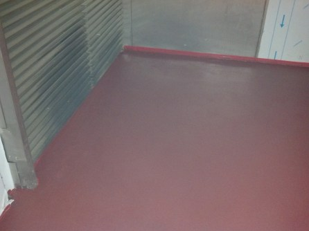 Finished floor with MMA epoxy