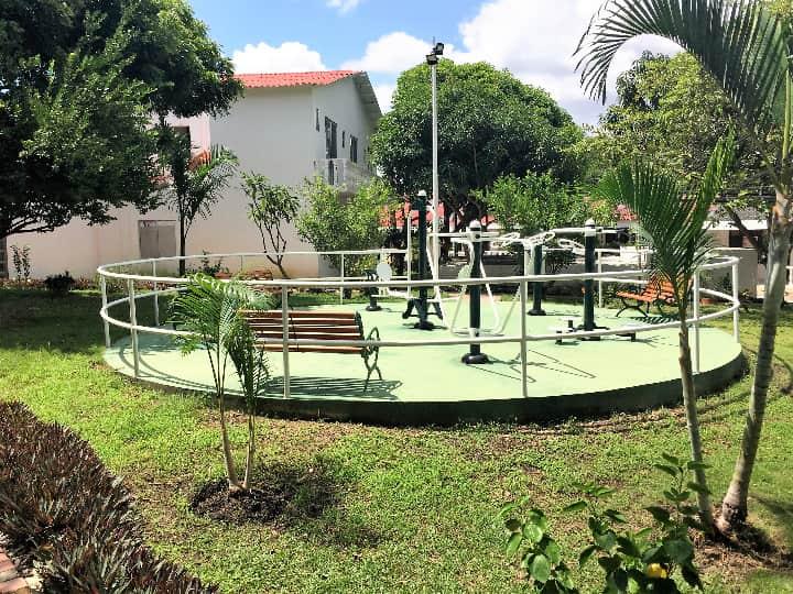 Venta casa en urbanización campestre en Girardot gimnasio