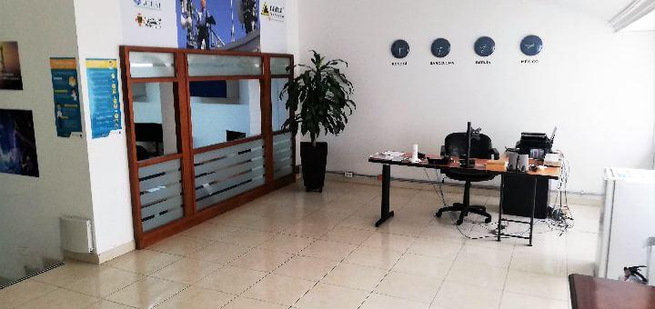 Venta o arriendo casa grande para oficina en Nueva Autopista recepción