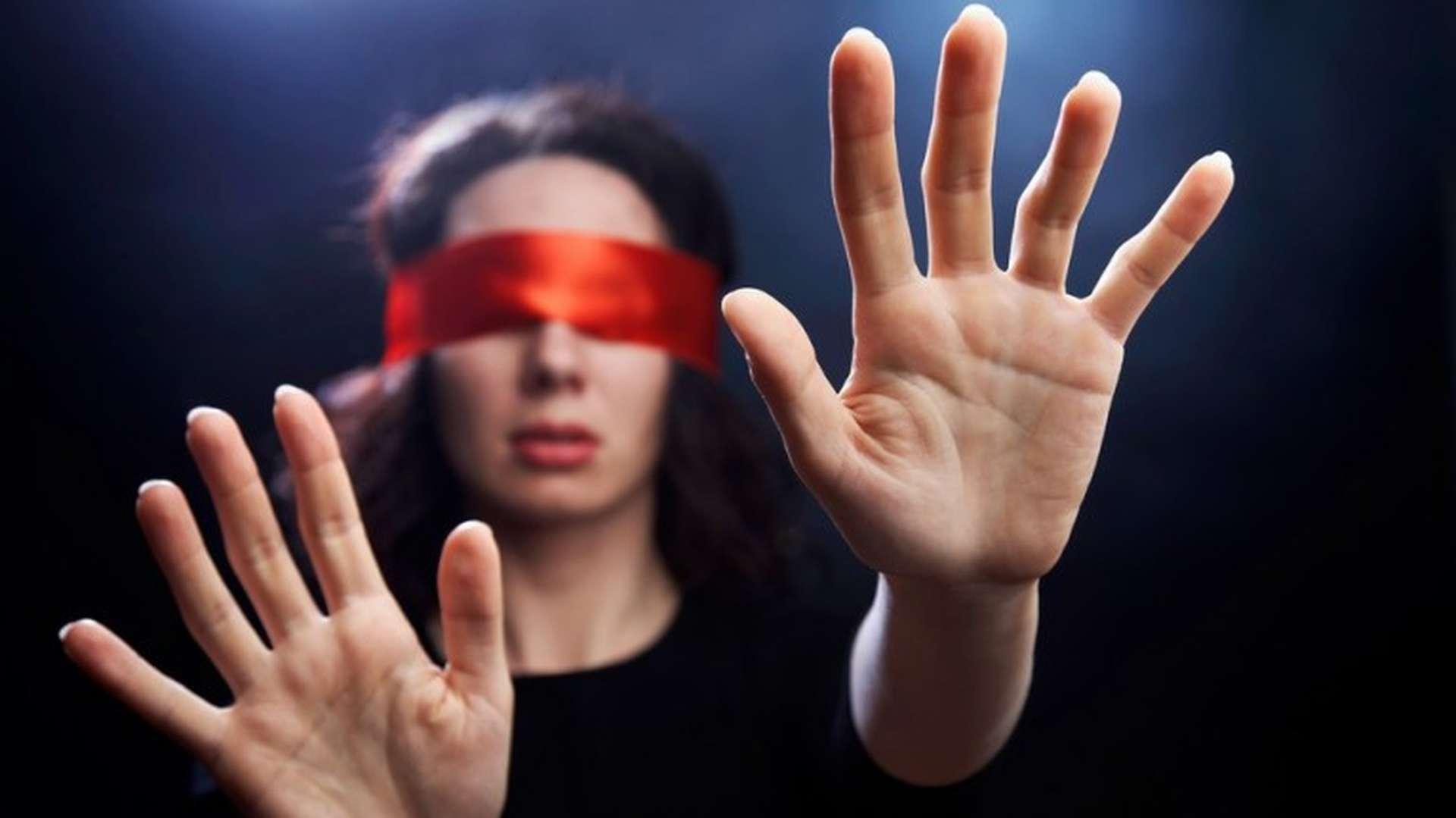 Não seja hipnotizado. Não entregue sua mente para ninguém!
