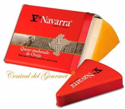 V de NAVARRA Queso leche cruda Oveja ahumado cuña 250 gr en estuche de Metal