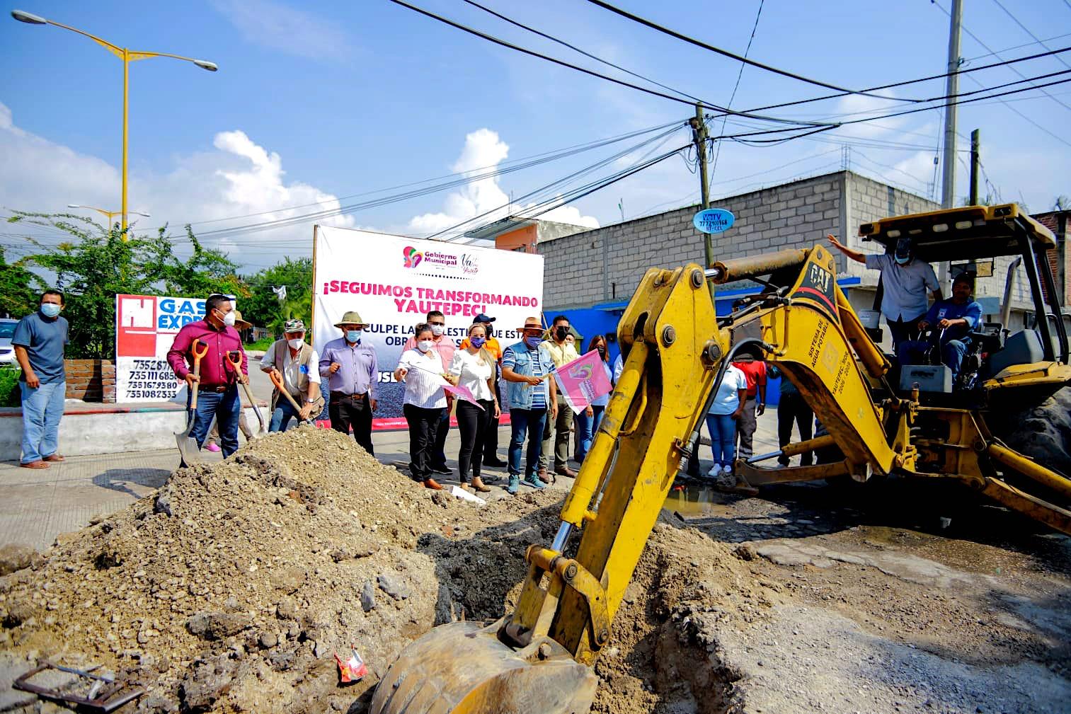 Continúa pavimentación de la Avenida Solidaridad en Yautepec