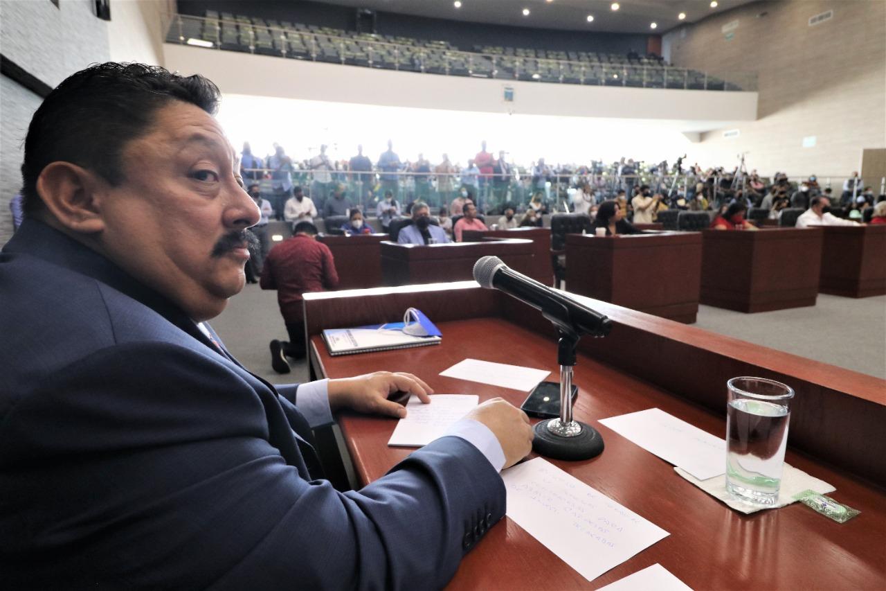Uriel Carmona Gándara Fiscal General del Estado de Morelos comparece ante diputados