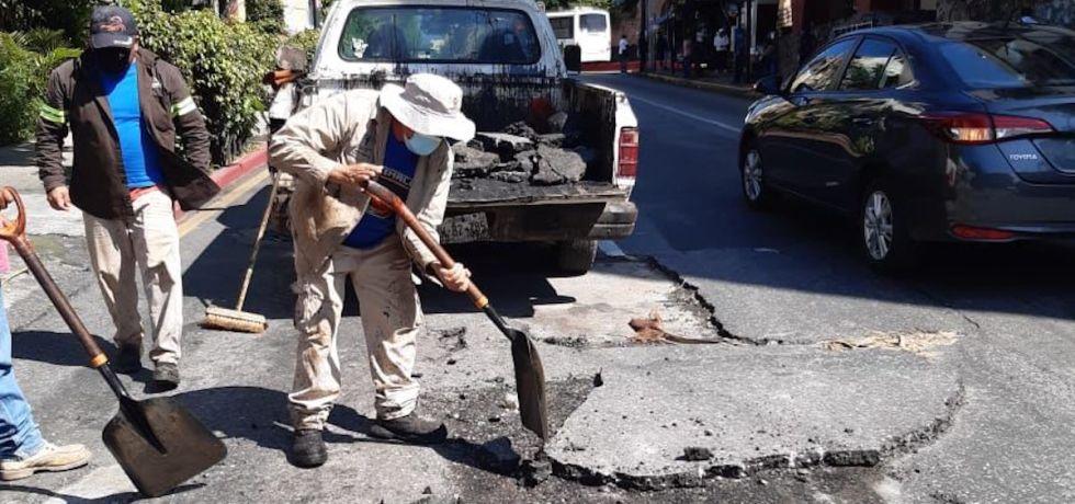 Continúan jornadas de bacheo en Cuernavaca