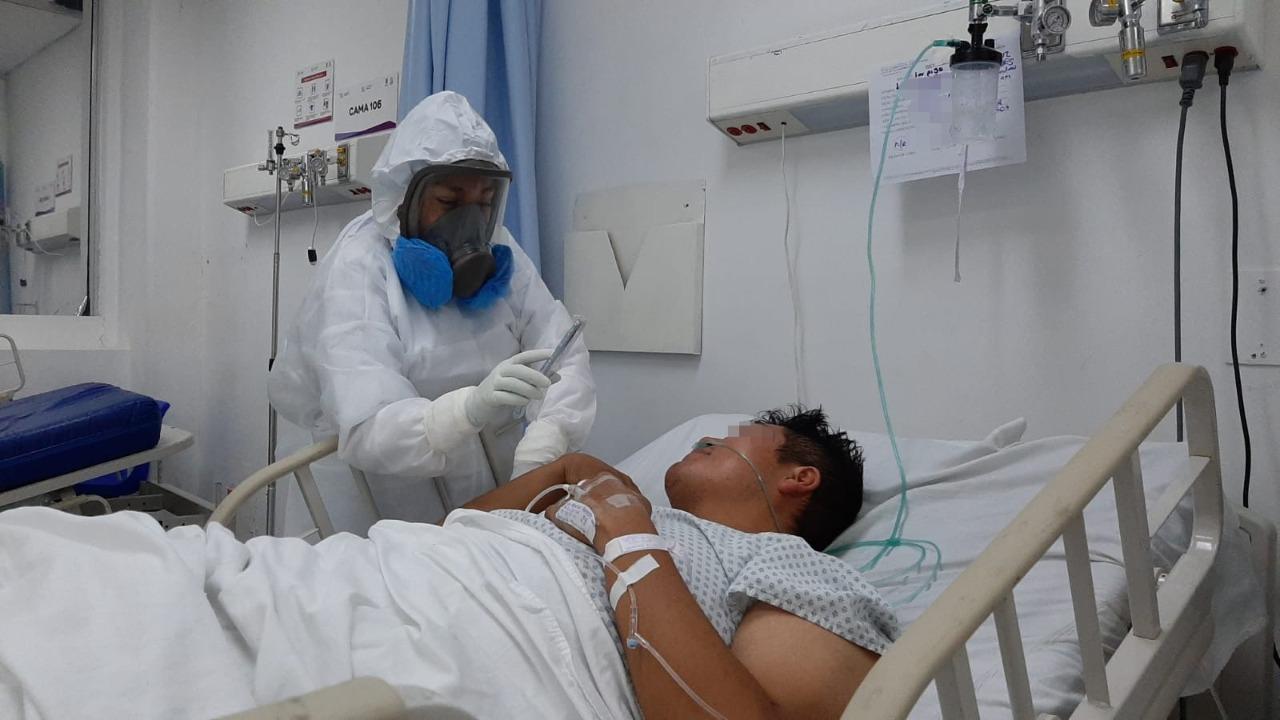 """Facilitan comunicación virtual entre familiares y pacientes Covid-19 en el """"G. Parres"""""""