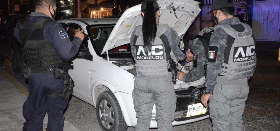 Custodian policía y vecinos pozo de agua en Cuernavaca ante constantes robos de cable