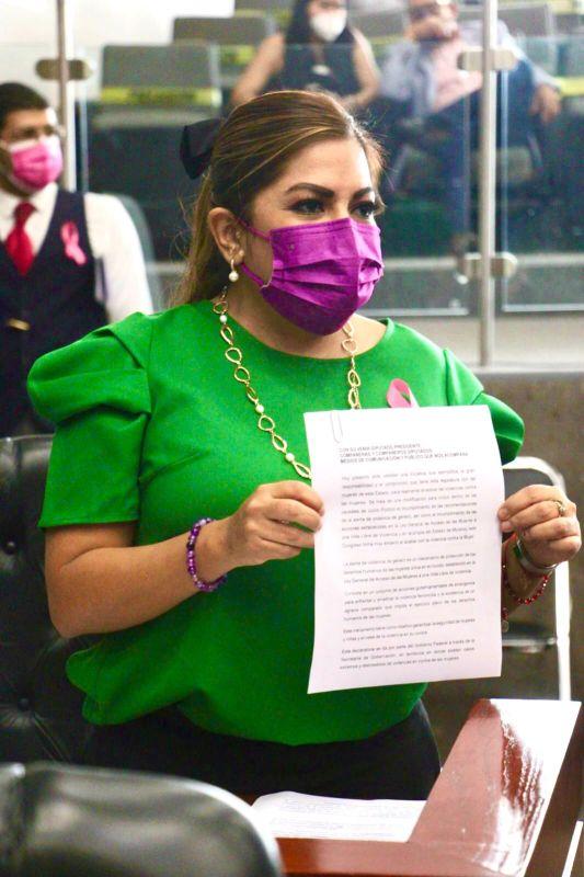Presenta Paola Cruz iniciativa a favor de pacientes con cáncer