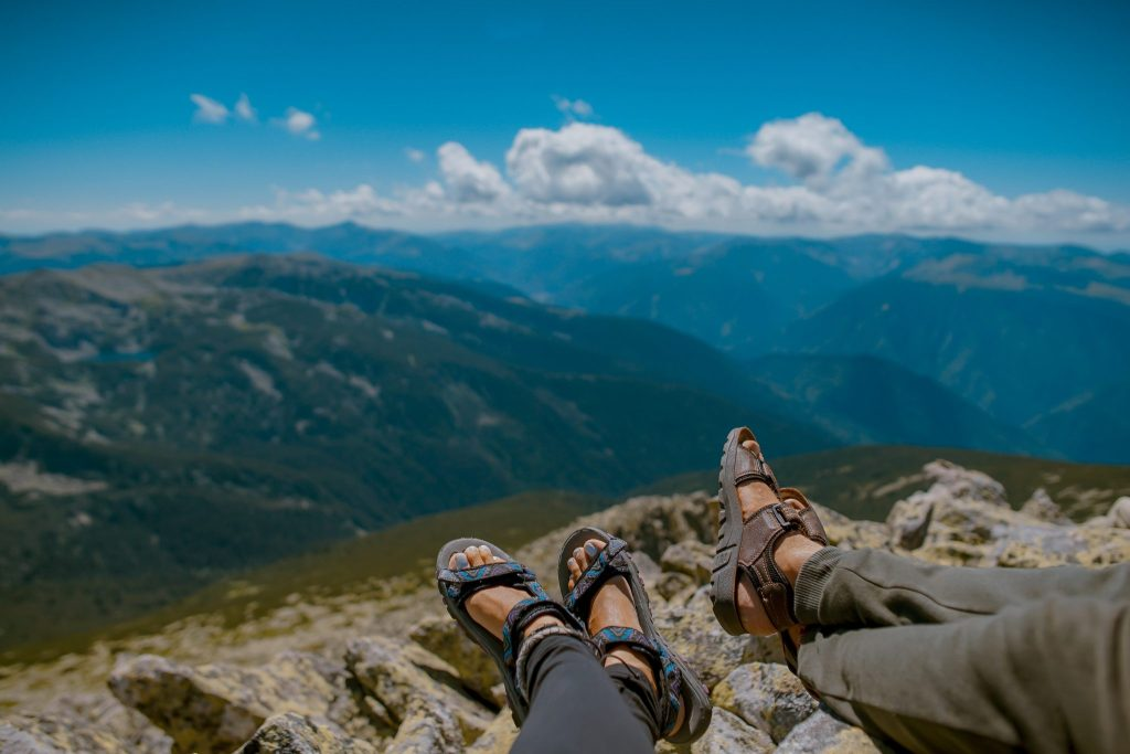 10 Best Sandals For Walking On Concrete And Rock