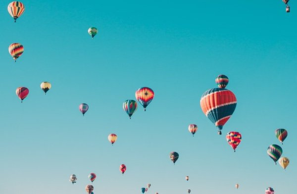 sky full of hot air balloons in Central Florida outdoor experience