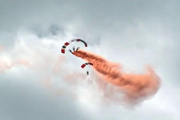 Parachute-Flare.jpg