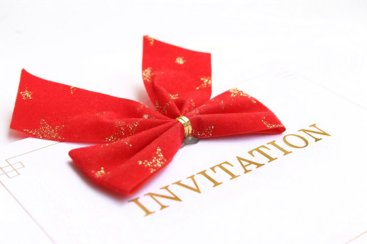 Red bow invitation