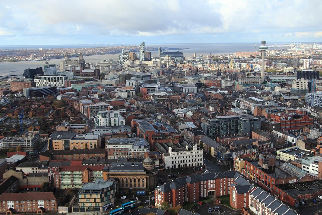 Rent house Liverpool city skyline