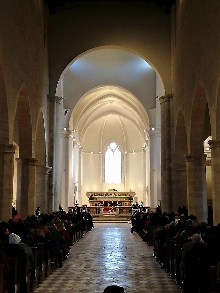 PHOTOGALLERY LAquila inaugurata la Basilica di Santa Maria di Collemaggio  Centralmente