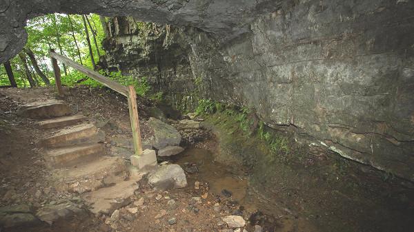 Caverna da bruxa dos Bell