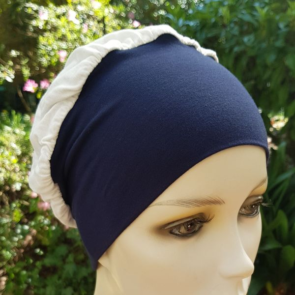 Batz - Bonnet chimio - marine et blanc. Centre du Cheveu Joceli.